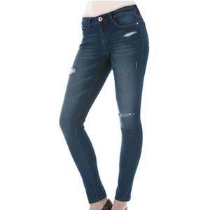 Kensie Distressed Knockout Skinny Jeans 12/31
